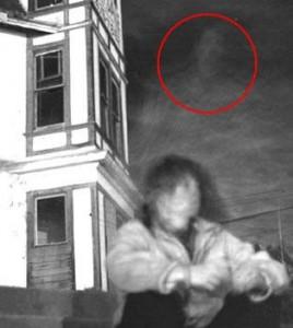 ... .wordpress.com/2011/02/foto-penampakan-hantu-roh-26