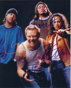 https://riangold.files.wordpress.com/2011/08/metallica_signed_photo2.jpg?w=243